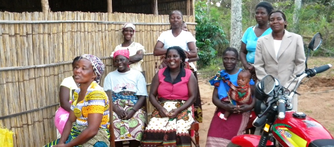 Village Savings and Loan Association group, Inhambane, Mozambique. Photo: Luisa Duarte, Irish Aid