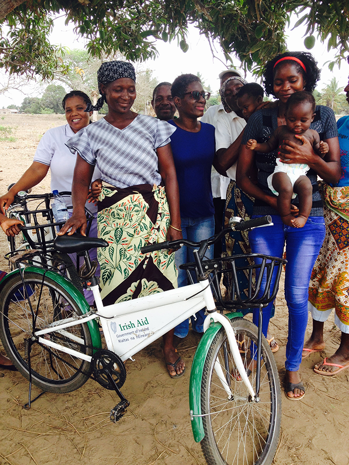Volunteers from Govuro town with a bicycle donated by Irish Aid