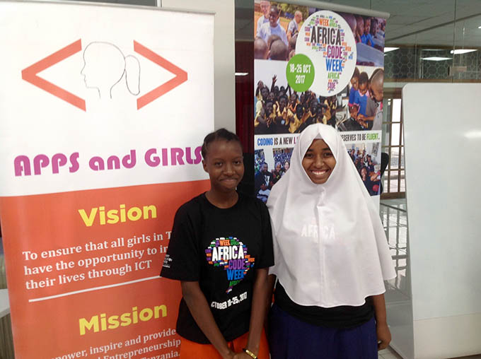 Doreen Michael (L) and Elham Mohamed (R) at Apps and Girls event, courtesy of Embassy of Ireland Tanzania